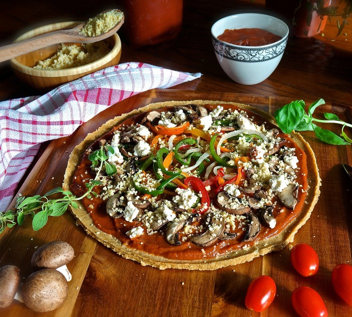 Italian Style Pizza with Quinoa Crust - raw vegan